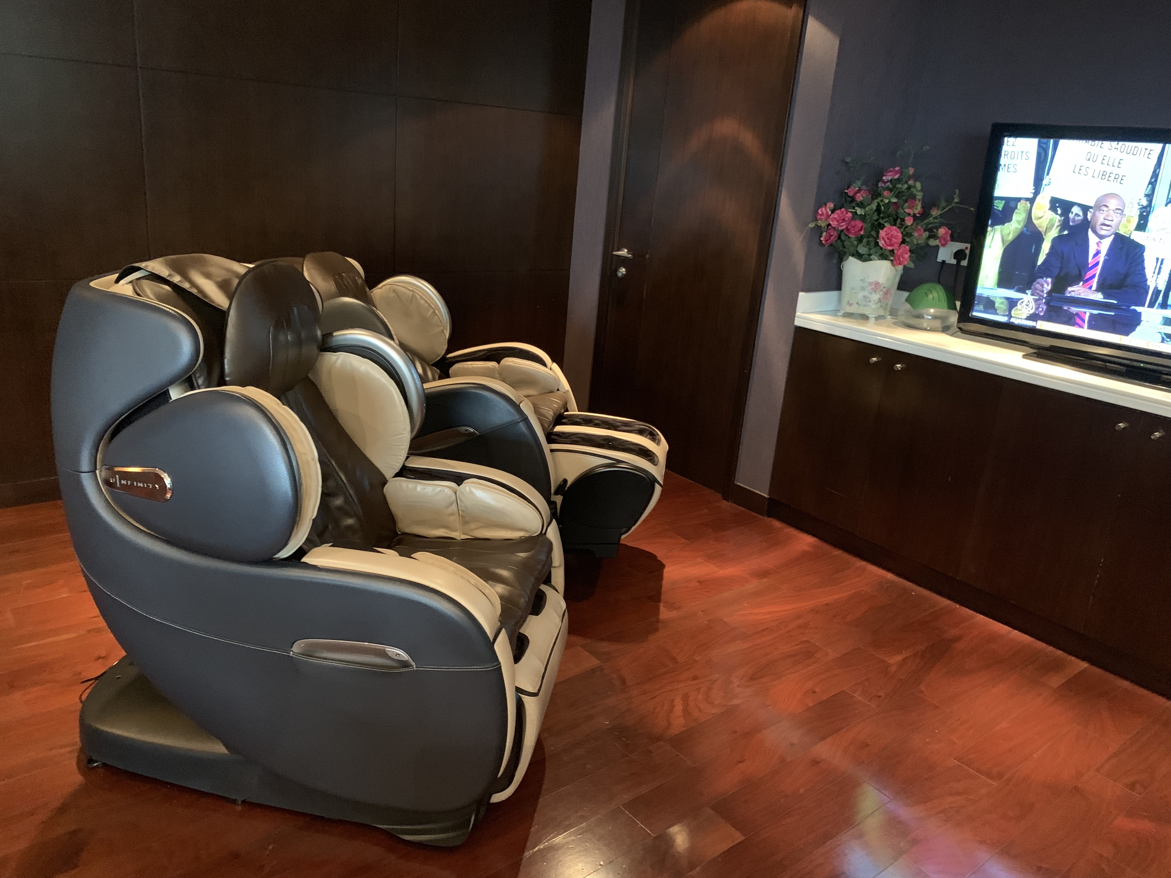 Thai Airways Royal Orchid Lounge